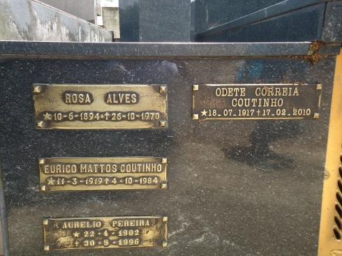"Túmulo da ""vó"" Rosa"